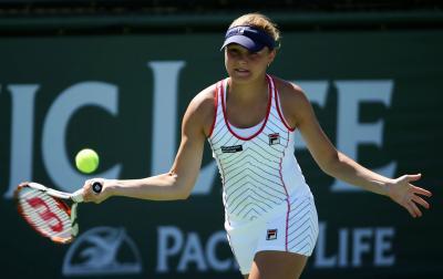 Россиянка Евгения отчизна вышла во 2-ой круг теннисного турнира вГонолулу