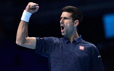 Джокович обыграл Раонича наИтоговом турнире АТР ивышел вполуфинал